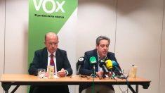 El portavoz del grupo parlamentario de Vox en las Cortes Valenciana, José María Llanos (izquierda). Foto: Europa Press