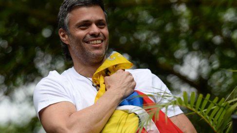 Leopoldo López tras ser liberado por Guaidó. Foto. AFP.
