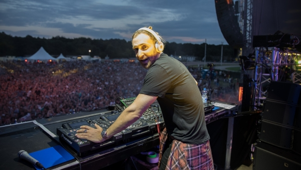 David Guetta estrena el documental de 'Road To Jack Back' en YouTube
