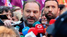 El ministro de Fomento en funciones, José Luis Ábalos, en la manifestación del Primero de Mayo convocada por CCOO y UGT. Foto: Europa Press