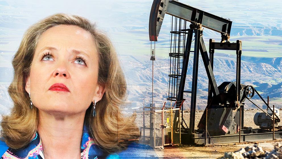La ministra de Economía, Nadia Calviño, contempla una subida del crudo de más de 10 dólares.
