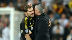 Iker Casillas y José Mourinho, en un partido del Real Madrid. (Getty)