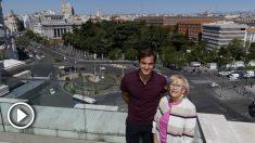 Federer y Carmena, en el Ayuntamiento de Madrid. (Mutua Madrid Open)