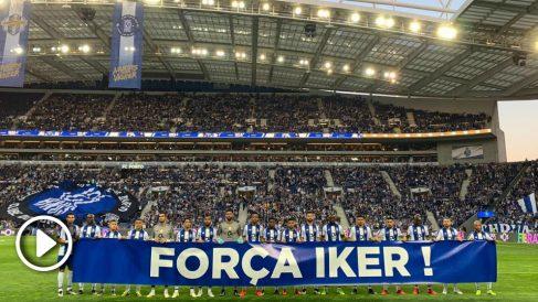 Los jugadores y la afición del Oporto homenajea a Casillas.