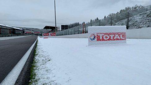 El circuito de Spa amaneció con un gran nevada.