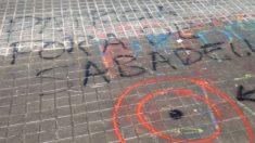 Diana dibujada frente al domicilio de Patricia Muñoz, candidata de Vox en Sabadell.