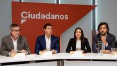 Reunión del Comité Ejecutivo de Ciudadanos, encabezada por su presidente, Albert Rivera (2i). (Foto: EFE)