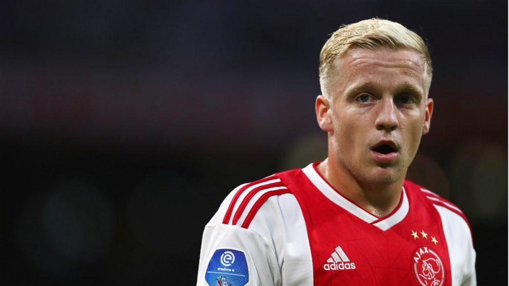 Van de Beek, durante un partido del Ajax. (Getty)