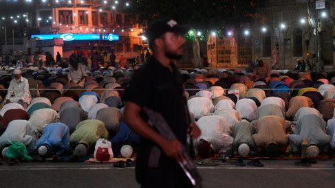 Ramadán en Karachi, Pakistán (Foto: AFP)