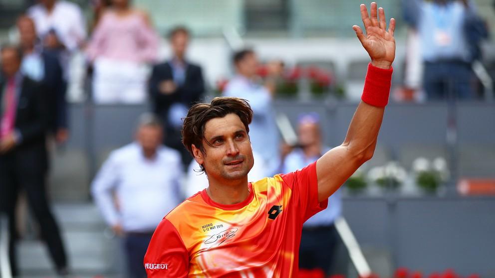 Ferrer saluda al público tras su victoria. (EFE)