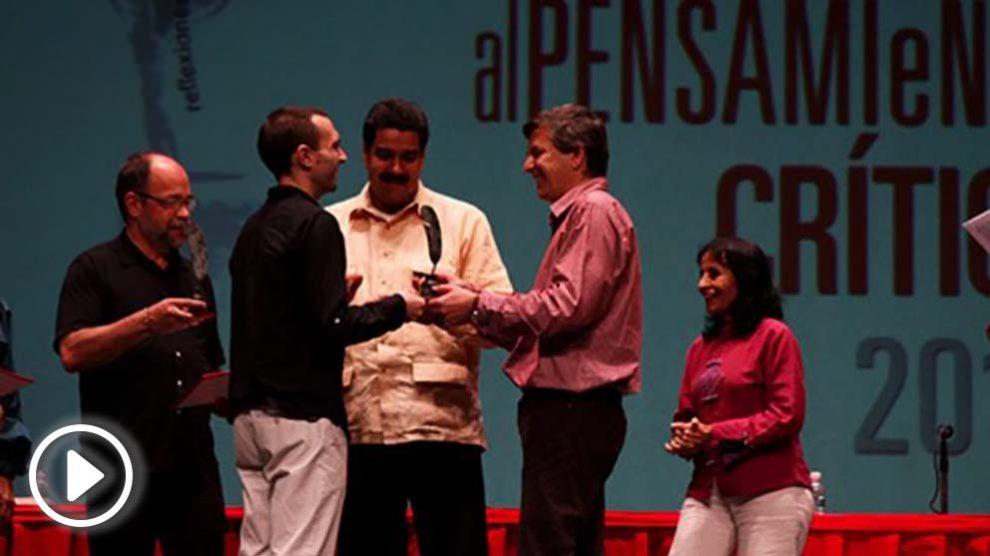 Luis Alegre y Carlos Fernández Liria con Nicolás Maduro.