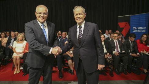 Scott Morrison y su opositor Bill Shorten. Foto: AFP