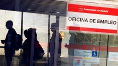 Las oficinas de empleo están cerradas, pero el antiguo Inem tiene más actividad que nunca.
