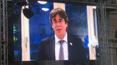 Carles Puigdemont, prófugo de la justicia en un mitin en Mataró. Foto. EP