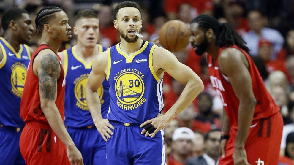 Curry, durante un partido de playoffs. (AFP)