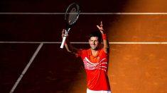 Djokovic celebra su victoria. (EFE)