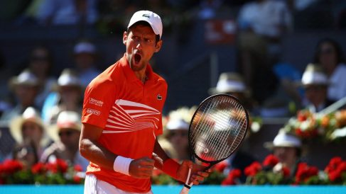 Djokovic celebra un punto en Roland Garros. (Getty)