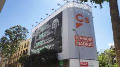 Lona en la sede de Ciudadanos. Foto. Europa Press
