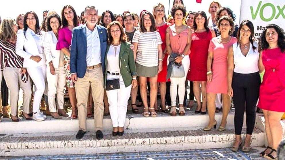 Rosa María Calvente junto al presidente de Vox en Málaga, José Enrique Lara.