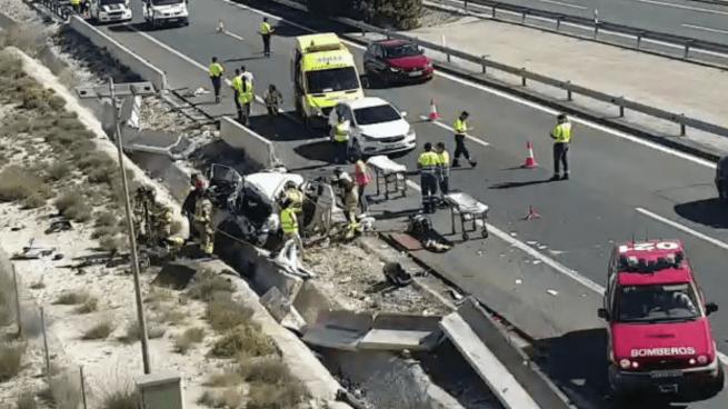 Trágica tarde en la autovía de Murcia: dos muertos y seis heridos graves tras un aparatoso accidente