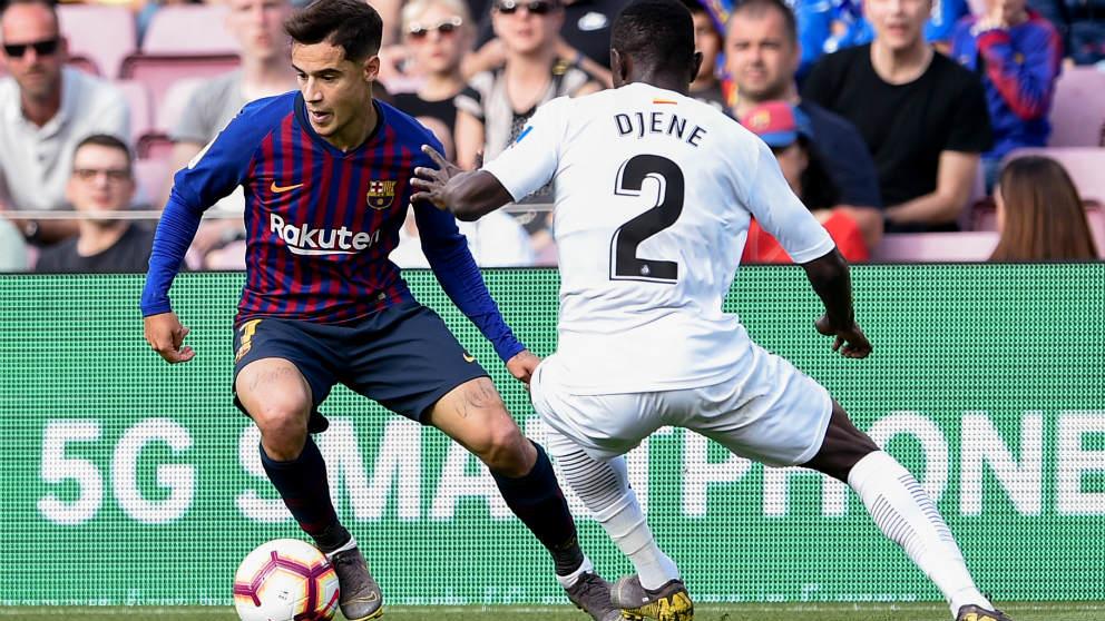 Coutinho, silbado por el Camp Nou, en un momento del partido ante el Getafe. (Getty)
