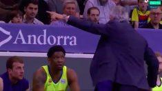 Pesic expulsa a Seraphin del banquillo del Barça Lassa.