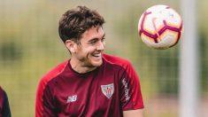 Ibai Gomez durante un entrenamiento con el Athletic (@Ibaigomez)