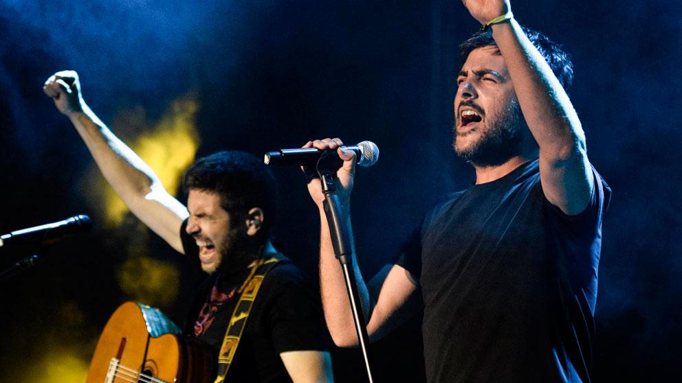 Los hermanos Muñoz, integrantes del grupo español Estopa, publican nuevo disco titulado 'Fuego'.