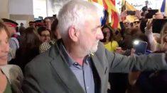 Josep María Matamala a su llegada al aeropuerto de Gerona. Foto: Twitter