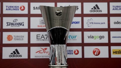 Trofeo de campeón de la Euroliga.