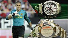Valdés y reloj regalado por el Barcelona (AFP)
