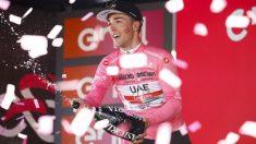 Valerio Conti celebra su victoria en la sexta etapa del Giro de Italia. (AFP)