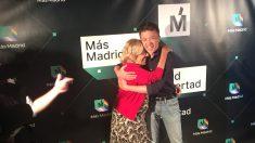 Carmena y Errejón en el acto de Medias Puri. @OKDIARIO