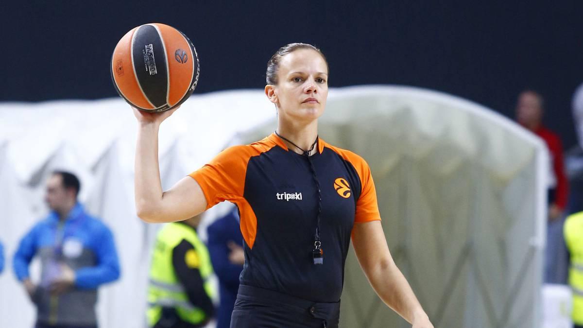 Anne Panther, durante un partido de Euroliga.