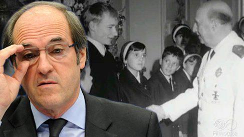 Gabilondo elogia en uno de sus catecismos el proyecto 'Plus Ultra', cuyos niños recibía Franco.