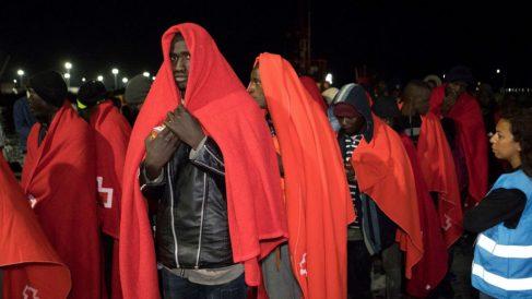 Los inmigrantes rescatados fueron trasladados a Motril.