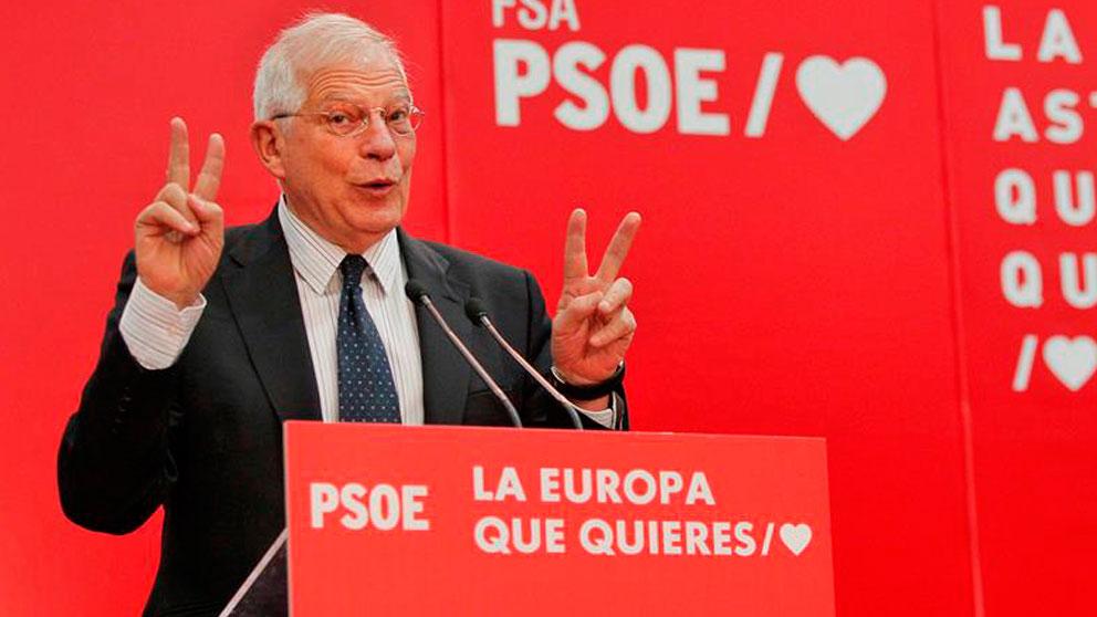 El cabeza de lista del PSOE en las elecciones europeas y ministro de Asuntos Exteriores, Josep Borrell, interviene en un acto electoral que el partido ha celebrado hoy en el polideportivo de Pumarín en Oviedo. Foto: EFE