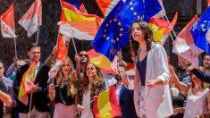 La portavoz nacional de Ciudadanos, Inés Arrimadas, durante su intervención en el acto de campaña celebrado en la Plaza del Cardenal Belluga junto a los candidatos a la alcaldía y comunidad de Murcia. Foto: EFE