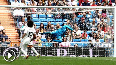 Así se despidió Keylor Navas del Bernabéu (Foto: Enrique Falcón).