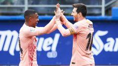 Messi y Malcom festejan uno de los goles del argentino. (Getty)