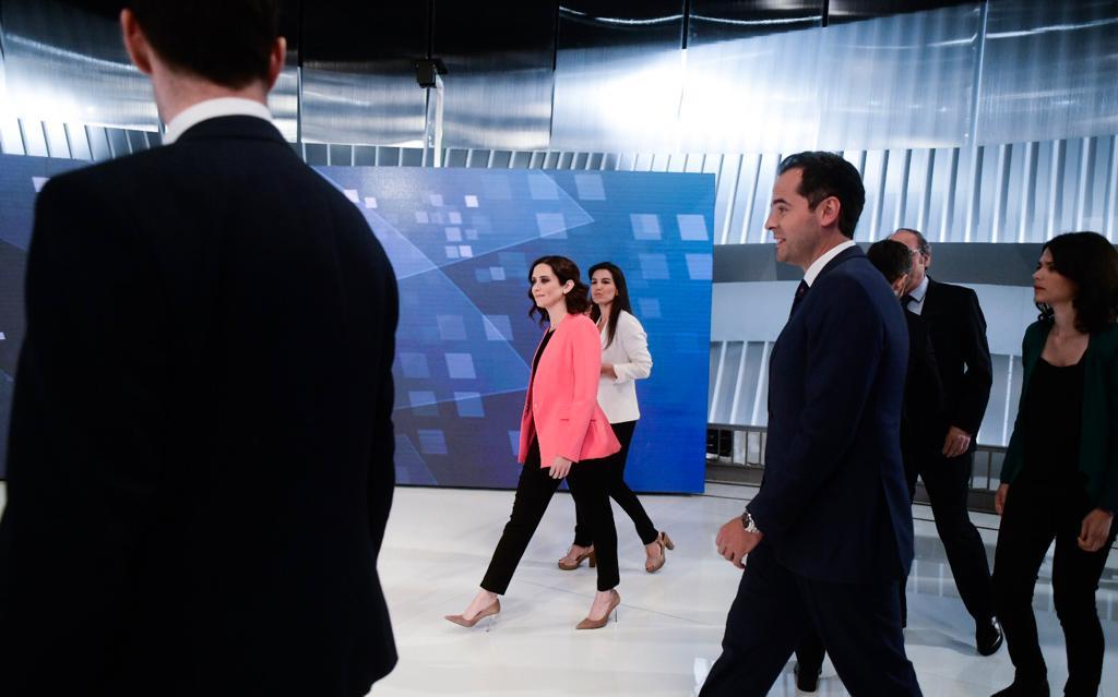 Los candidatos llegando al plató de Telemadrid.
