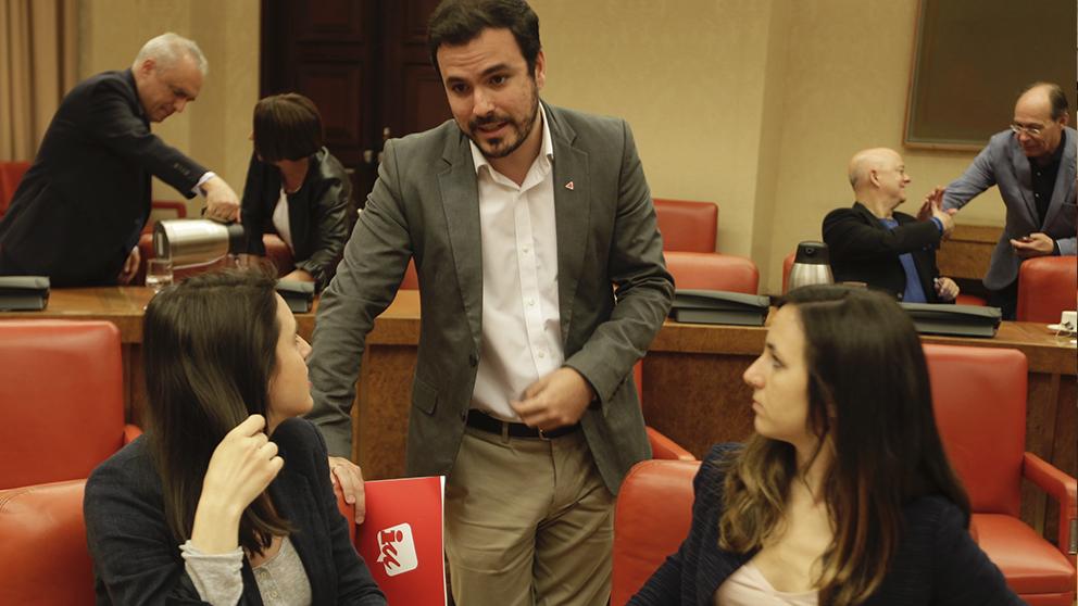Garzón monta una consulta exprés en IU para decidir su voto en la investidura
