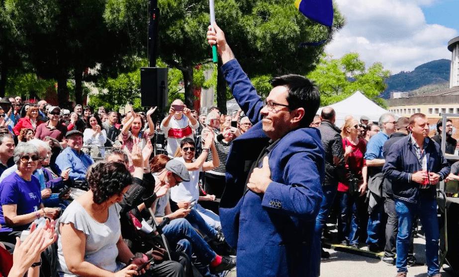 Gerardo Pisarello, miembro de la Mesa del Congreso tras el pacto de PSOE y Podemos, en un acto electoral de BComú @Twitter