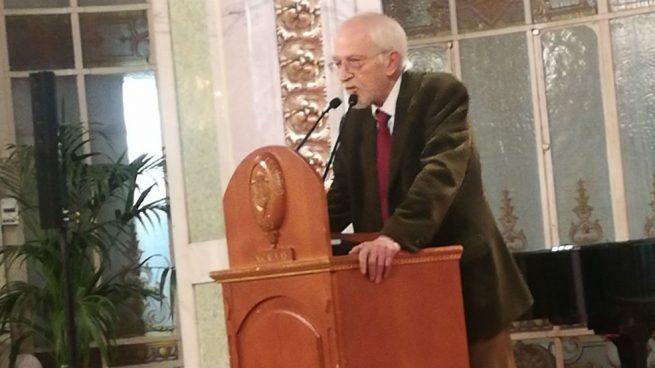 El excomunista y amigo del comercio Antonio Escohotado recibe el premio liberal por excelencia