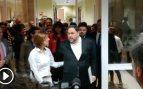 Los diputados golpistas llegan al Congreso para acreditarse como parlamentarios