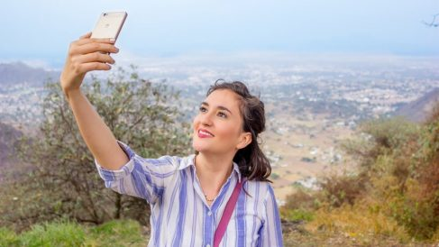 Descubre cómo poner a un contacto de móvil su foto de WhatsApp