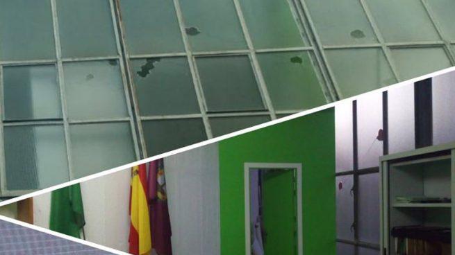 Destrozan a pedradas los cristales de la sede de Vox en Bilbao