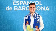 Adriá Pedrosa renueva con el Espanyol hasta 2023 (@RCDEspanyol)