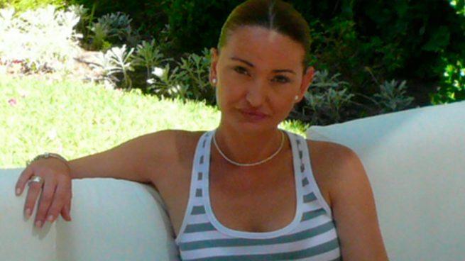 Carolina-perles-mujer-de-abalos-rocio-monasterio-negro-vox