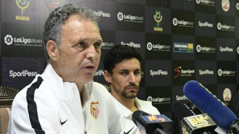 Joaquín Caparrós en rueda de prensa (@SevillaFC)